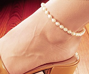 """Jessica"" oval pearl ankle bracelet"